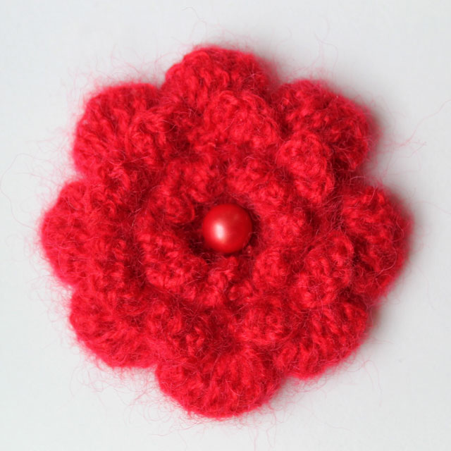 crocheted-flower-brooch-2