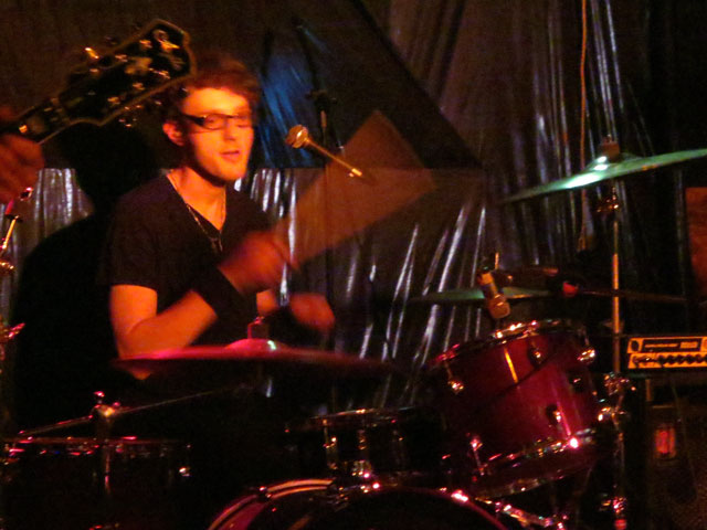 drummer-sister-hyde
