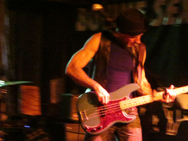 sister-hyde-bass-player