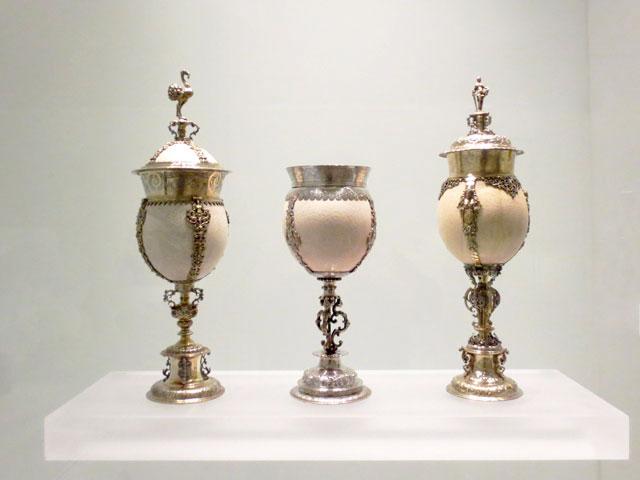 ostrich-eggs-art-ago-1600