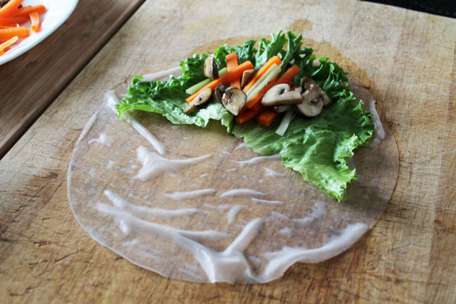 making-salad-rolls