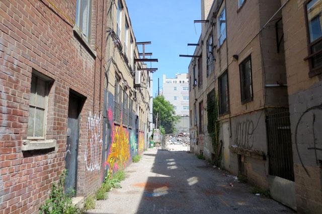 bluebird-building-alley-behind-august-2013
