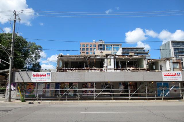 bluebird-building-being-torn-down-2