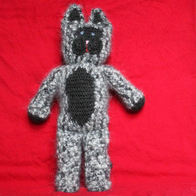 crocheted-cat-doll-01