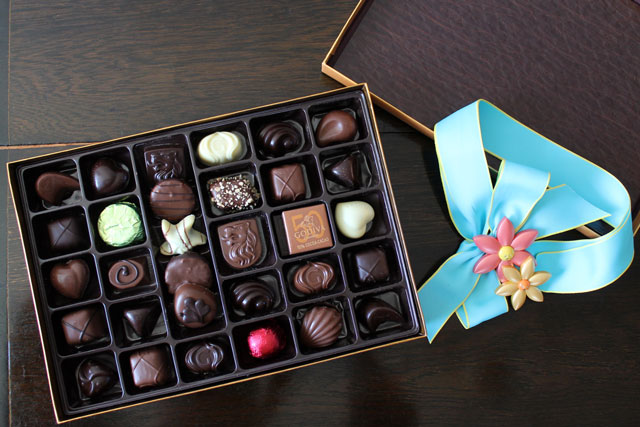 godiva-mixed-chocolates-gold-ballotin