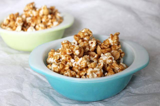 homemade-caramel-corn-2