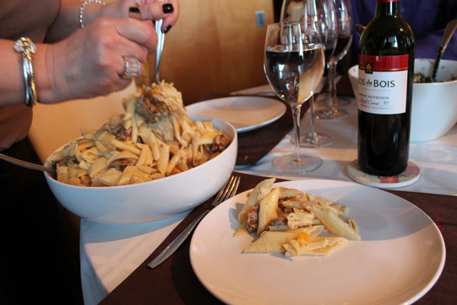 serving-pasta