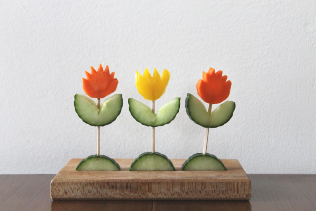 tulips made from carrots pepper and cucumber1
