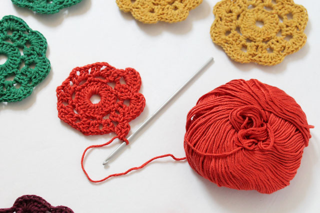 crocheting a Maybelle Flower