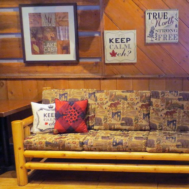 lounge-moose-winooskis