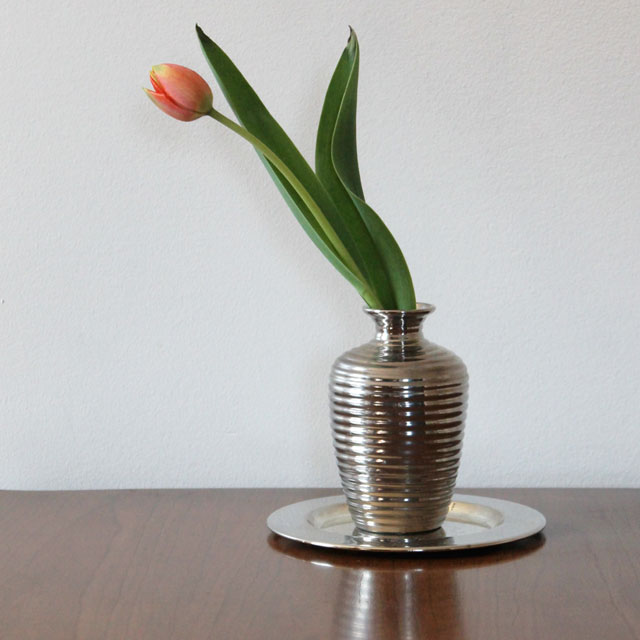 tulip in a thrifted vase 02
