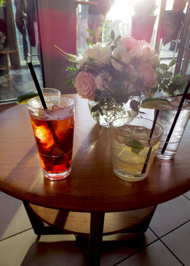 cocktails-and-flowers