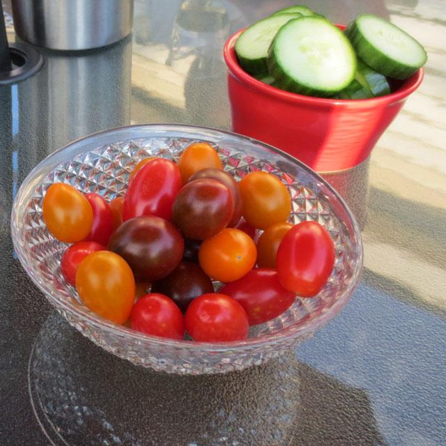 multi-coloured-cherry-tomatoes