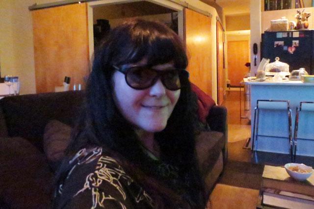 wearing-3d-glasses-02