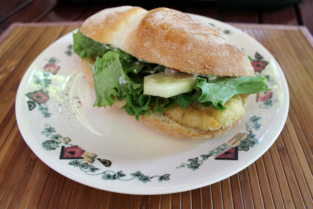 fish-sandwich-made-with-leftover-pan-fried-fish-04