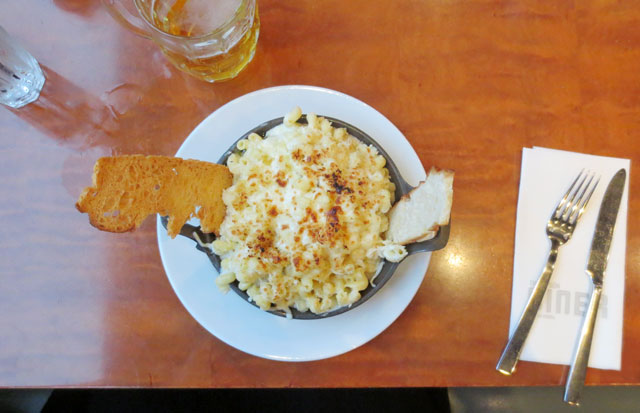 macaroni-and-cheese-thompson-diner-thompson-hotel-toronto