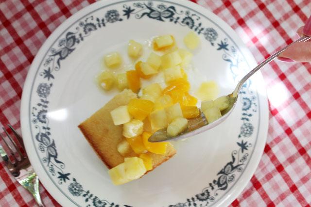 serving-tropical-fruit-shortcake-02