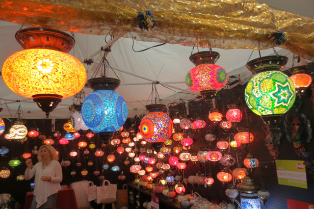 beautiful-lamps-in-the-arts-and-crafts-building-cne-toronto