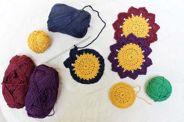 crocheting-simpleartsplanet-sunshine-coaster-free-pattern