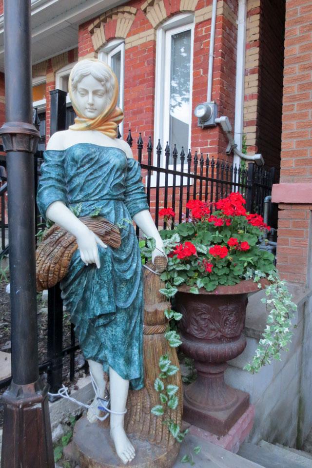 garden-statue