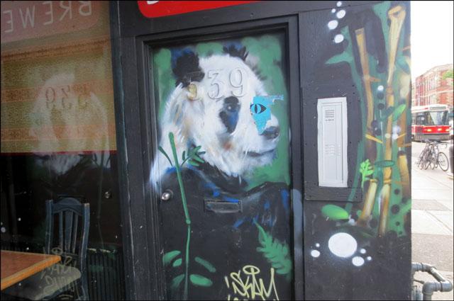 panda-painted-on-door