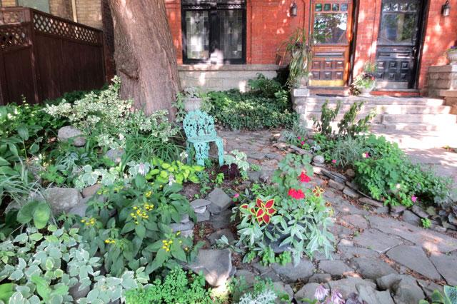 pretty-front-garden