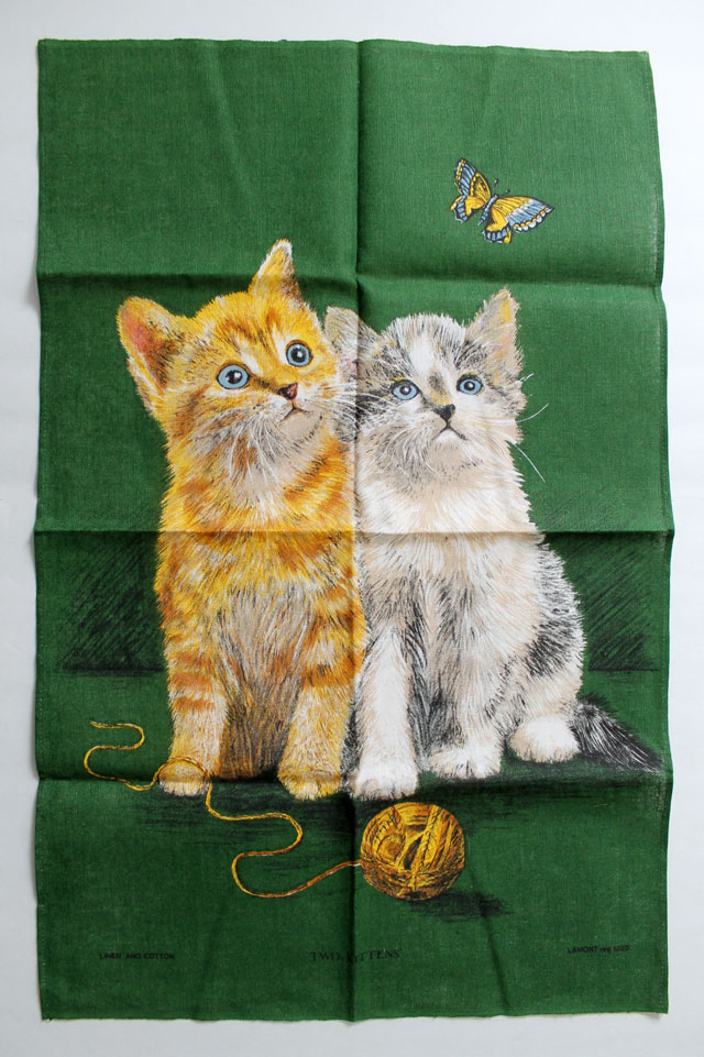 thrifted-vintage-kitten-tea-towel
