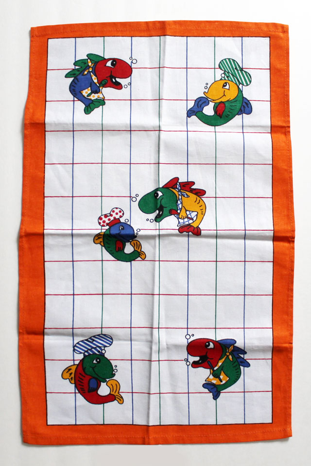 thrifted-vintage-tea-towel-with-fish-on-it