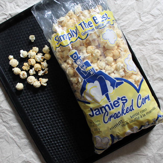 gourmet-kettle-corn-from-jamies-cracked-corn