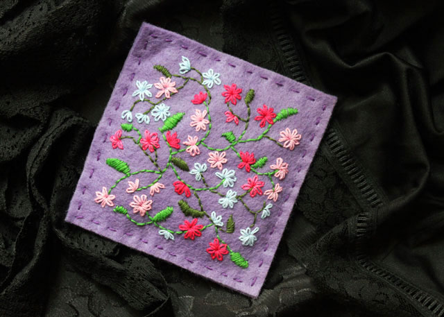 hand-embroidery-on-felt-making-a-lavender-sachet