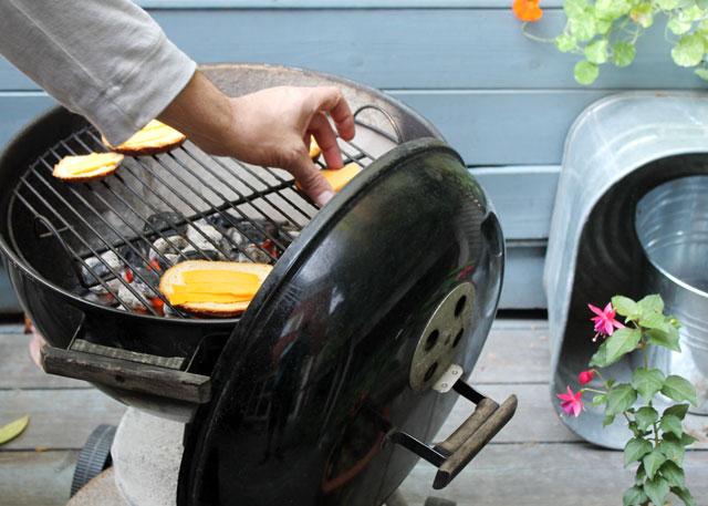 making-bbq-cheese-toast-04
