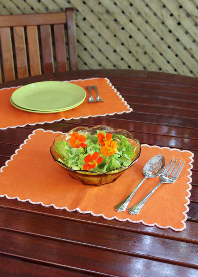 salad-with-nastutium-flowers-in-it-03
