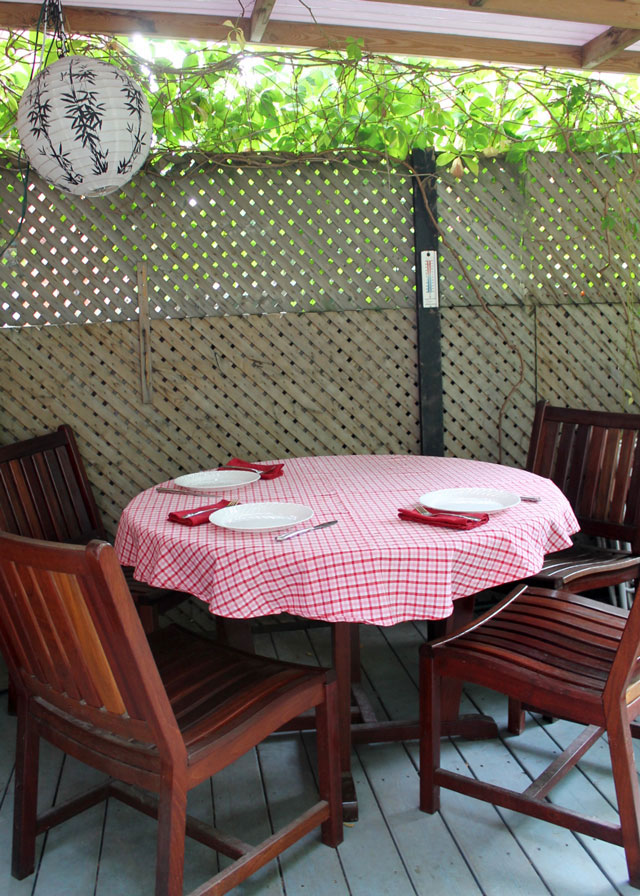 table-set-for-outdoor-dining