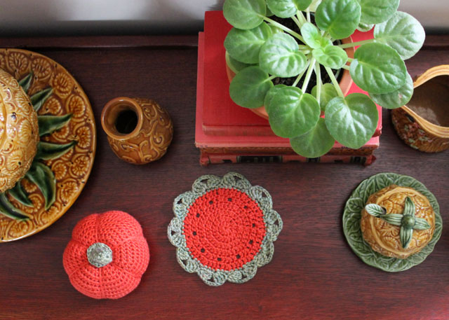 decorating for fall with crochet 02