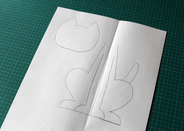 draw pattern to make felt cat decoration