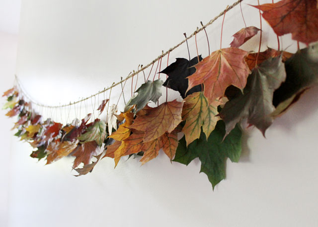 fall decorative garland made with crocheted twine chain and maple leaves