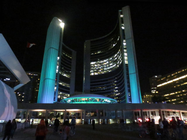 toronto-city-hall-nuit-blanche-2014