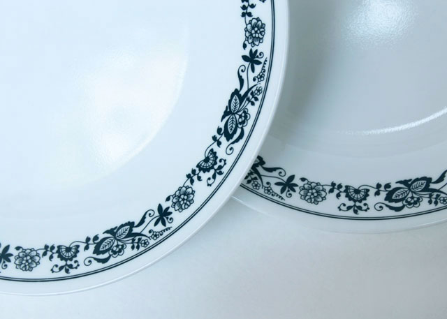 vintage corelle dishes old town blue pattern thrifted dinner plates