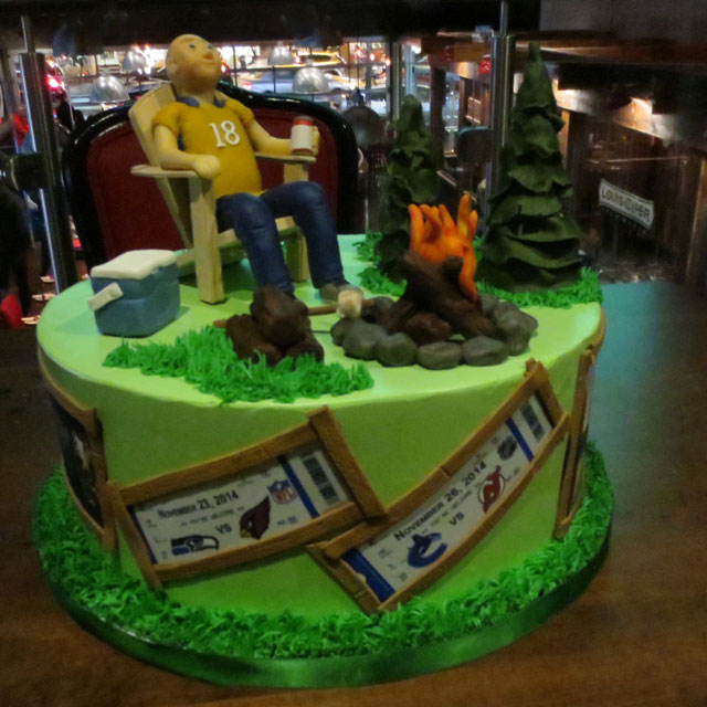 cute-birthday-cake-from-for-the-love-of-cake-in-liberty-village-02