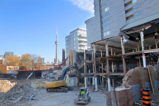 demolition-bathurst-and-adelaide-construction-01