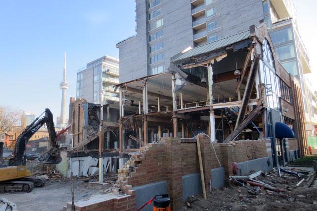 demolition-bathurst-and-adelaide-construction-05