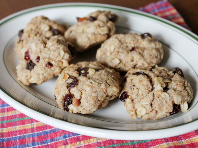 healthier-cookies-oatmeal-fruit-nut-and-chocolate-chips-2