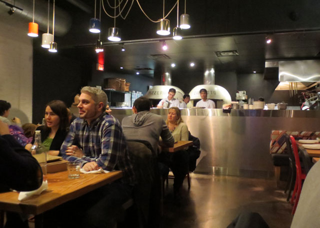 inside-pizzeria-libretto-on-danforth-nov-2014