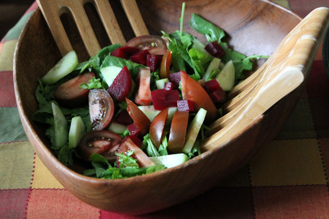 tossed-salad-with-baby-kale-kumatoes-and-home-canned-beets