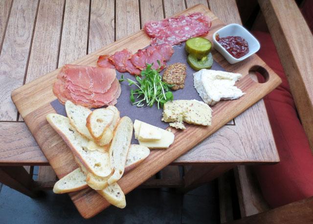 charcuterie-platter-at-mill-street-pub-distillery-district