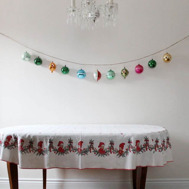 christmas-decoration-diy-garland-made-from-twine-and-large-vintage-christmas-balls
