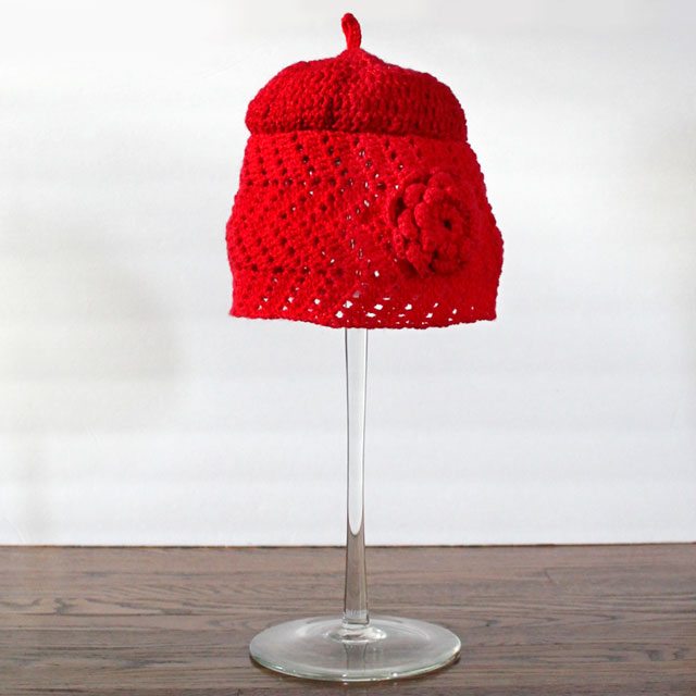 crocheted-hat-using-moogly-chevron-lace-as-base-2