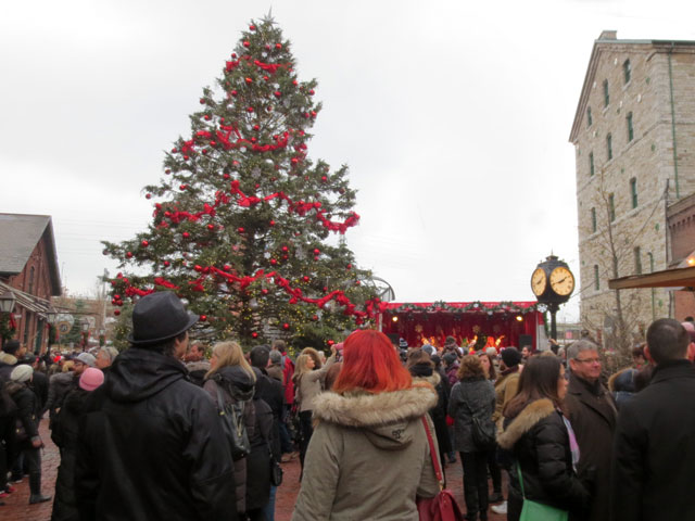 distillery district christmas market toronto 2014