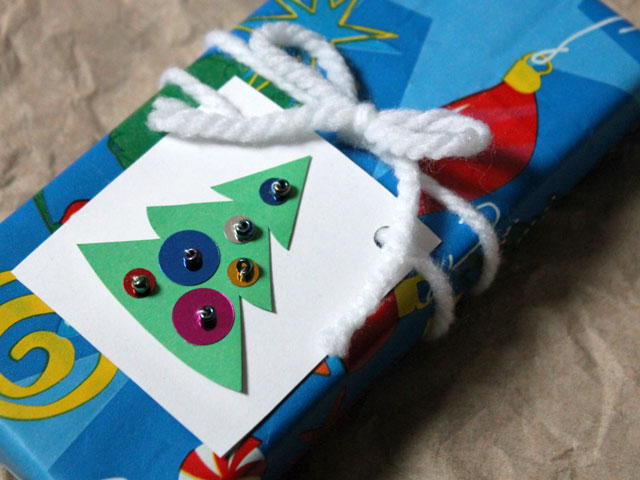 handmade christmas gift tag make with sequins and beads