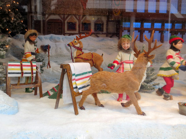 the-bay-christmas-window-2014-02